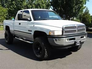 2001 Dodge Ram 2500 Slt    4x4    5 9l Cummins Diesel