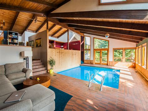 in the livingroom price a swimming pool in the living room 289k