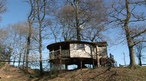 Office Tree House In East Sussex Turned Into B&b  Bbc News