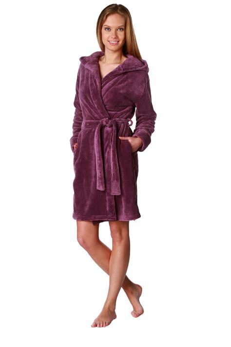 Robe De Chambre Peluche Du 3840 Au 4648 Lingerie