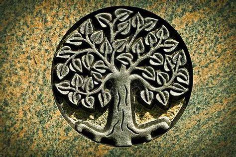 Arbre De Vie Signification Arbre De Vie Origine Symbole Et Signification Jewelssimo