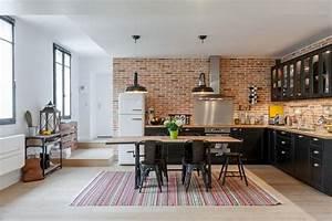 Cuisine style industriel grace au mur en briques rouges for Idee deco cuisine avec meuble salle a manger complete moderne pas cher
