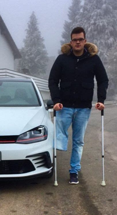 great crutching  empty pants leg amputiert