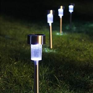 Top solar landscape lighting : Best solar lights for garden ideas uk