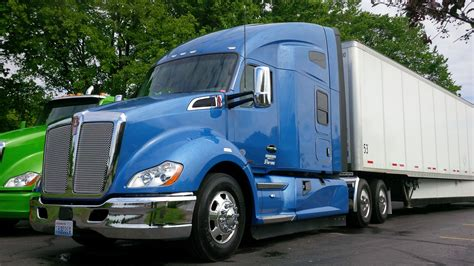 kenworth truck driving the kenworth t680 t880 truck news