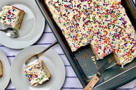 showstopping cakes  southern living