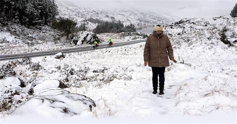 irish weather motorists urged to take extra care as snow