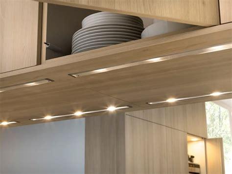 eclairage meuble cuisine l 39 éclairage sous les meubles de cuisine entre style et