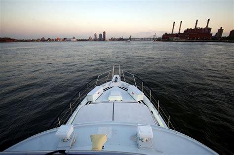 Fishing Boat Rental New York by New York Boat Rental Sailo New York Ny Motor Yacht