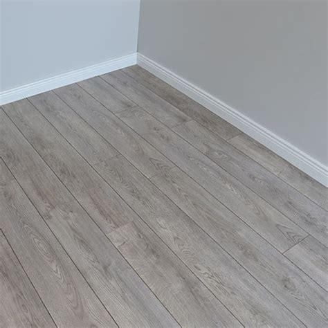Grey Oak Laminate Flooring   Flooring Ideas and Inspiration