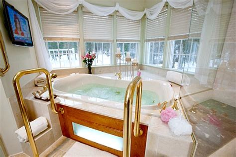 lodging with tub pennsylvania tub suites hotel rooms with