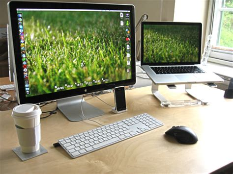 macbook pro desk setup 50 inspiring awesome stylish mac setups mac appstorm