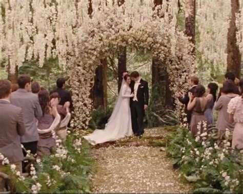 Bella Swan's 'twilight' Engagement Ring Up For Grabs