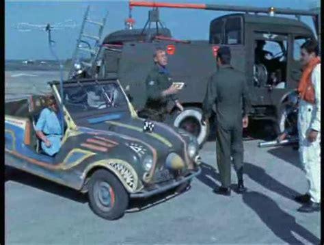 une voiture une miniature renault  sinpar tanguy