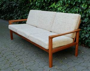 Mid Century Möbel : danish mid century teak sofa from komfort m bel for sale ~ A.2002-acura-tl-radio.info Haus und Dekorationen