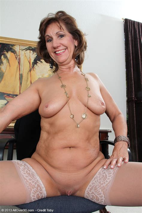 Naked Old Woman Porn Image
