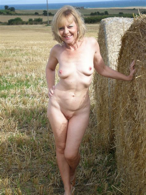 Amateur Janet A Hot Uk Gilf 09 High Definition Porn Pic