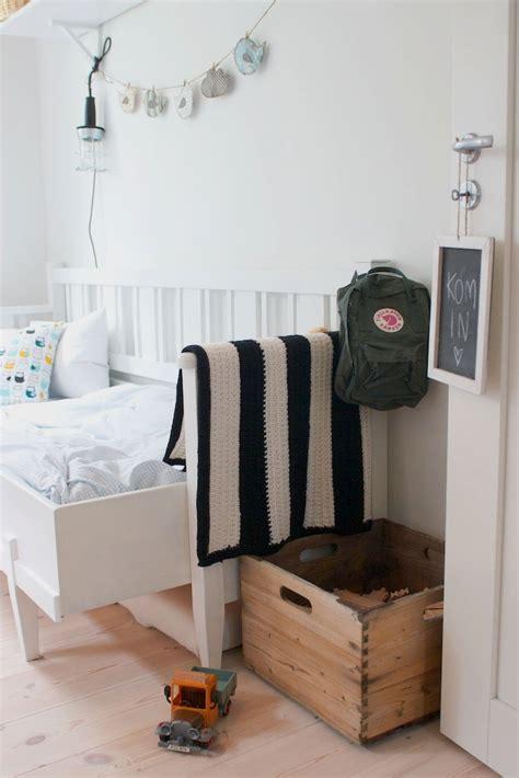 brilliant  wooden crate furniture ideas designbump