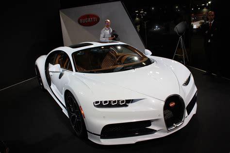 Price details, trims, and specs overview, interior features, exterior design, mpg and mileage capacity, dimensions. Mondial de l'Auto 2018 : Bugatti Chiron - Hypercars - Le ...
