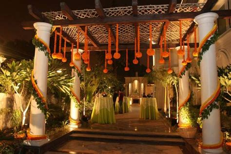gud for a sangeet backdrop shorter heights on front and