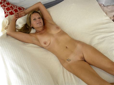 M90166286 11ca  In Gallery Hot American Milf Gilf Great Legs 4 Picture 11 Uploaded By