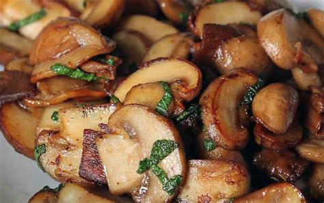 how to sautee how to saute mushrooms foodies 4 mmc