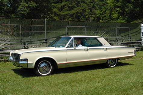 1965 Chrysler New Yorker by 1965 Chrysler New Yorker Information And Photos Momentcar