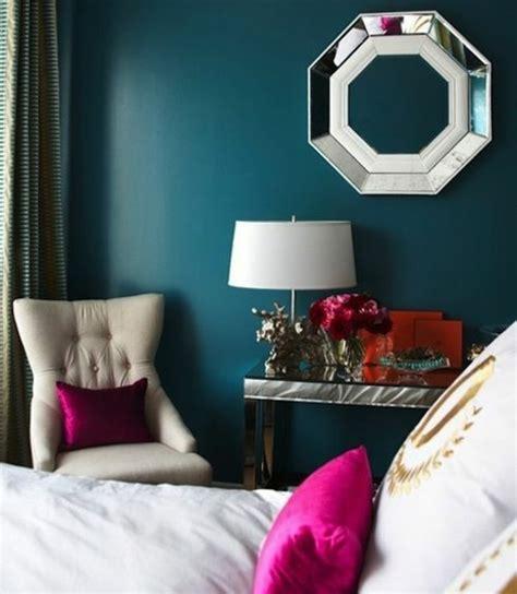 peinture et decoration chambre 1001 idées pour une chambre bleu canard pétrole et paon