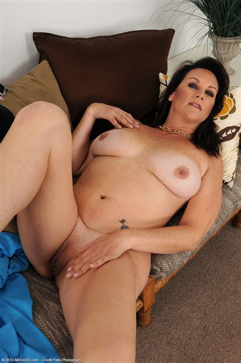 Naked Horny Cougars Mature Sex