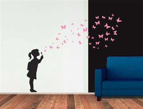 Wandtattoo Kinderzimmer Dawanda by Wandsticker M 228 Dchen Mit Schmetterlingen Butterfly