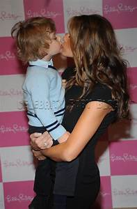 Melania Trump can't wait to spend Mother's Day with Barron ...