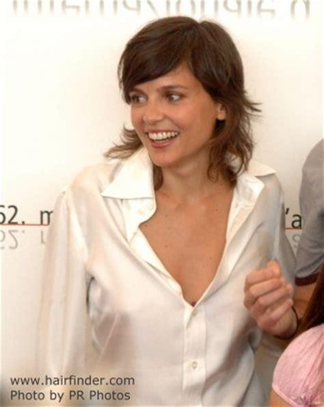 Elena Anaya   Sporty look with medium long hair and a
