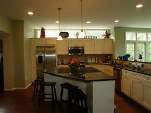 eat in island kitchen kitchen eat in island jpg 800 600 for the home
