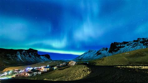 private  circle tours  iceland  days  nights