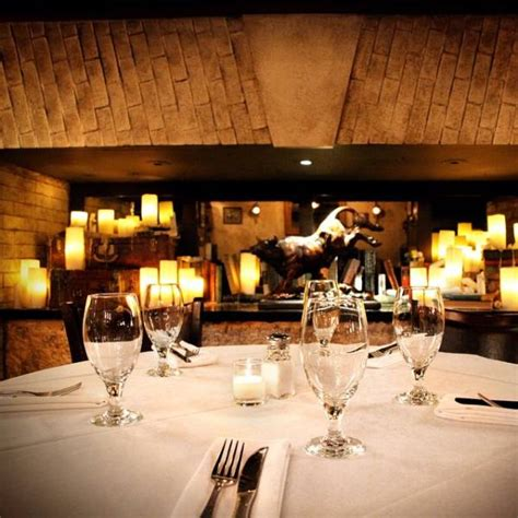 Unusual And Beautiful Restaurants (25 Pics