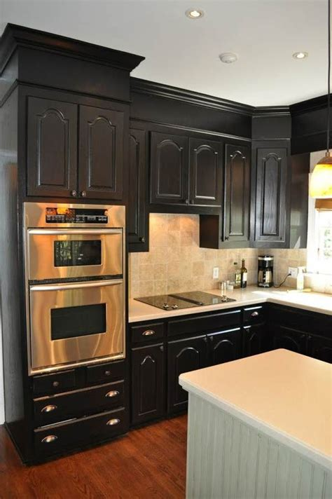 painted kitchen cabinets with white appliances 1000 images about kitchens with black appliances on 9053