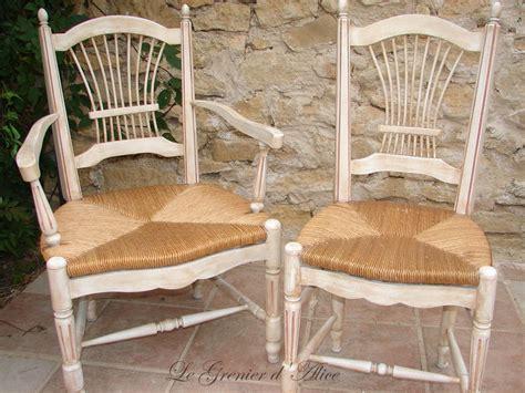 relooker chaise en bois patine de chaises et fauteuils paillés nouvelle jeunesse le grenier d 39 le les
