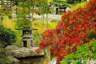 Garten Im Herbst Wässern by Japanischer Garten Im Herbst In Seattle Lizenzfreies