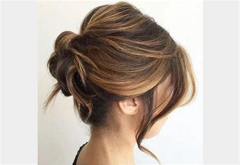 chignon cheveux mi long coiffure simple  facile