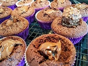 Cupcakes Mit Füllung : schokoladen cupcakes mit nutella f llung das weisse vom ei ~ Watch28wear.com Haus und Dekorationen