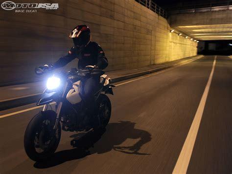 2010 Ducati Hypermotard 796 First Ride Photos