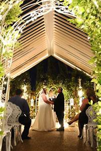 About viva las vegas wedding chapels las vegas nevada for Outdoor vegas weddings