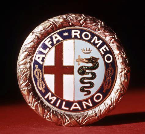 100 Jahre Alfa Romeo Embleme