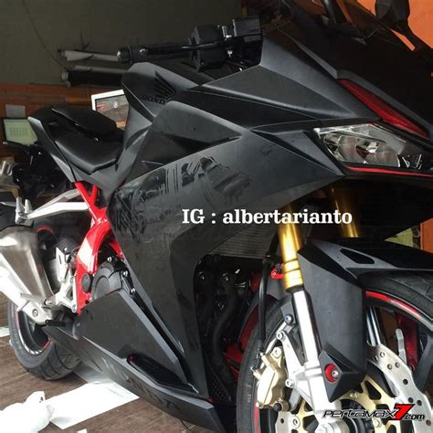 Modifikasi Rr Warna Merah by Modifikasi Honda Cbr250rr Warna Hitam Rangka Merah Sangar