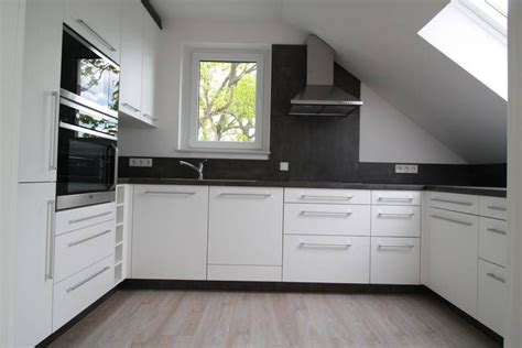 Küche Dachgeschoss Ideen by U Form Einbauk 252 Che Nach Ma 223 Mit Dachschr 228 Ge 228 Hnliche