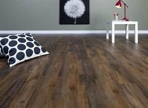 Linoleum Boden Holzoptik : sehr angesagter vintage look auch mit linoleum m glich bodenbel ge fliesen bodenbelag und boden ~ Frokenaadalensverden.com Haus und Dekorationen