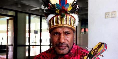 this is hammerchicken benny wenda duta besar papua
