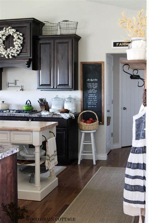 stunning cottage kitchen  wood grain cottage