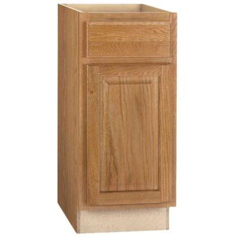 medium oak kitchen cabinets hton bay 15x34 5x24 in base cabinet with bearing 7422