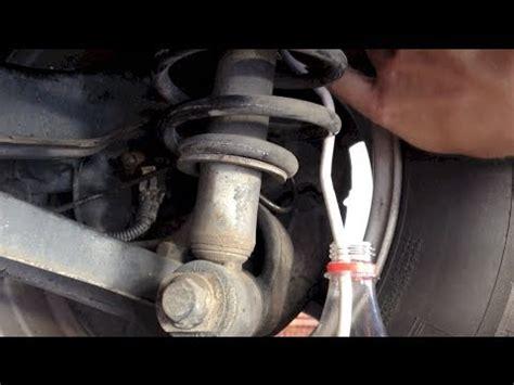 cambiar el liquido de frenos de  coche youtube